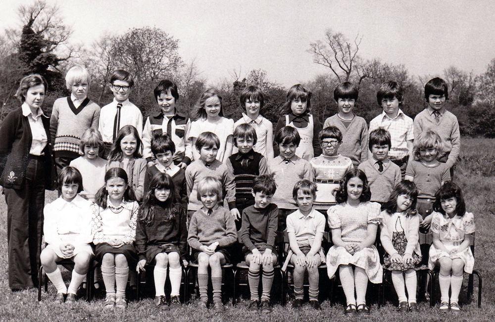 School Class 1975