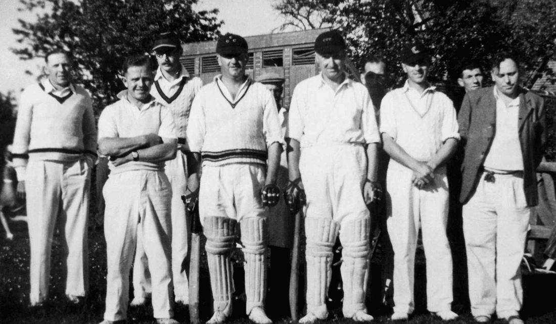 Chrishall-Cricket-1949