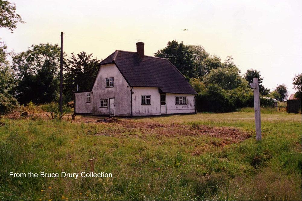 Revells Cottage, Builden End.