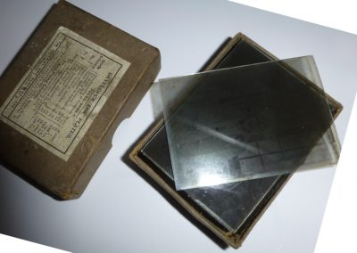 glass plates and box